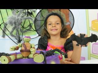 Видео с игрушками. Пауки, летучая мышь и черепашка ниндзя игры! Маленькая ведьма Кати.