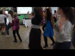Чёпа танцует на Хинодэ ))
