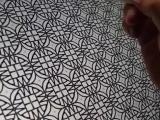 Британский каллиграф рисует узоры на iPad