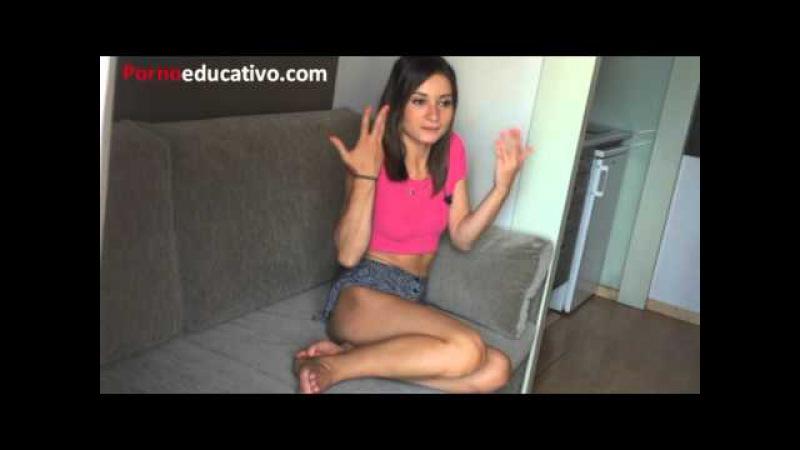 La fantasía sexual con las que se masturba esta chica joven con minifalda