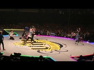[Fancam] GD playing 'Struck Out' game - BIGBANG 'FANTASTIC BABY 2016' in NAGOYA DAY2