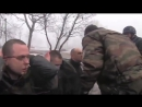 Ополченец Гиви заставил солдат ВСУ жрать свой шевроны.