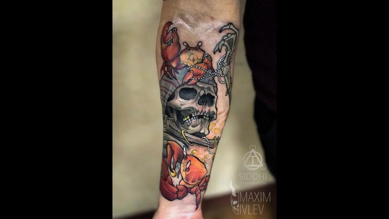 Татуировка в стиле неотрад: череп-пират и крабы (Neo Traditional tattoo pirate skull and crab) | Дом Элит Тату (Tattoo Studio Mo