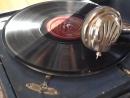 Сургут Граммафон 1938 года. Играет дореволюционная пластинка