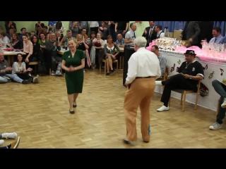 Никогда не поздно танцевать буги-вуги