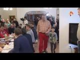 Жириновский в красный штанах