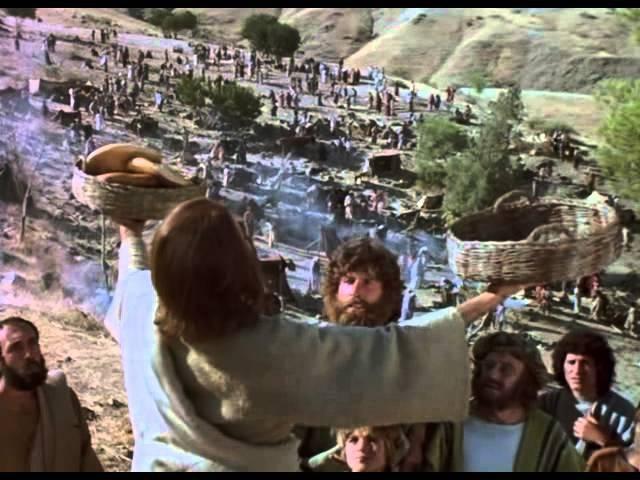 Иисус накормил 5000 человек