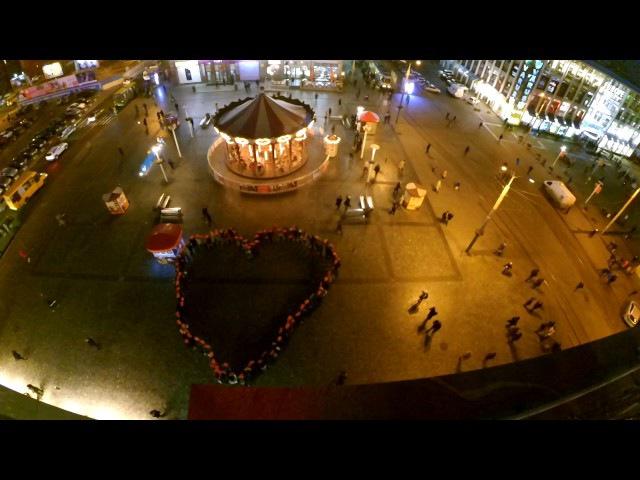 Флешмоб Знай і живи до Всесвітньогоо дня боротьби зі СНІДом 1 грудня Дніпро