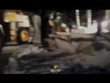 Спасатели достают лошадь из-под завала