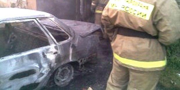 В станице Зеленчукской сгорел автомобиль