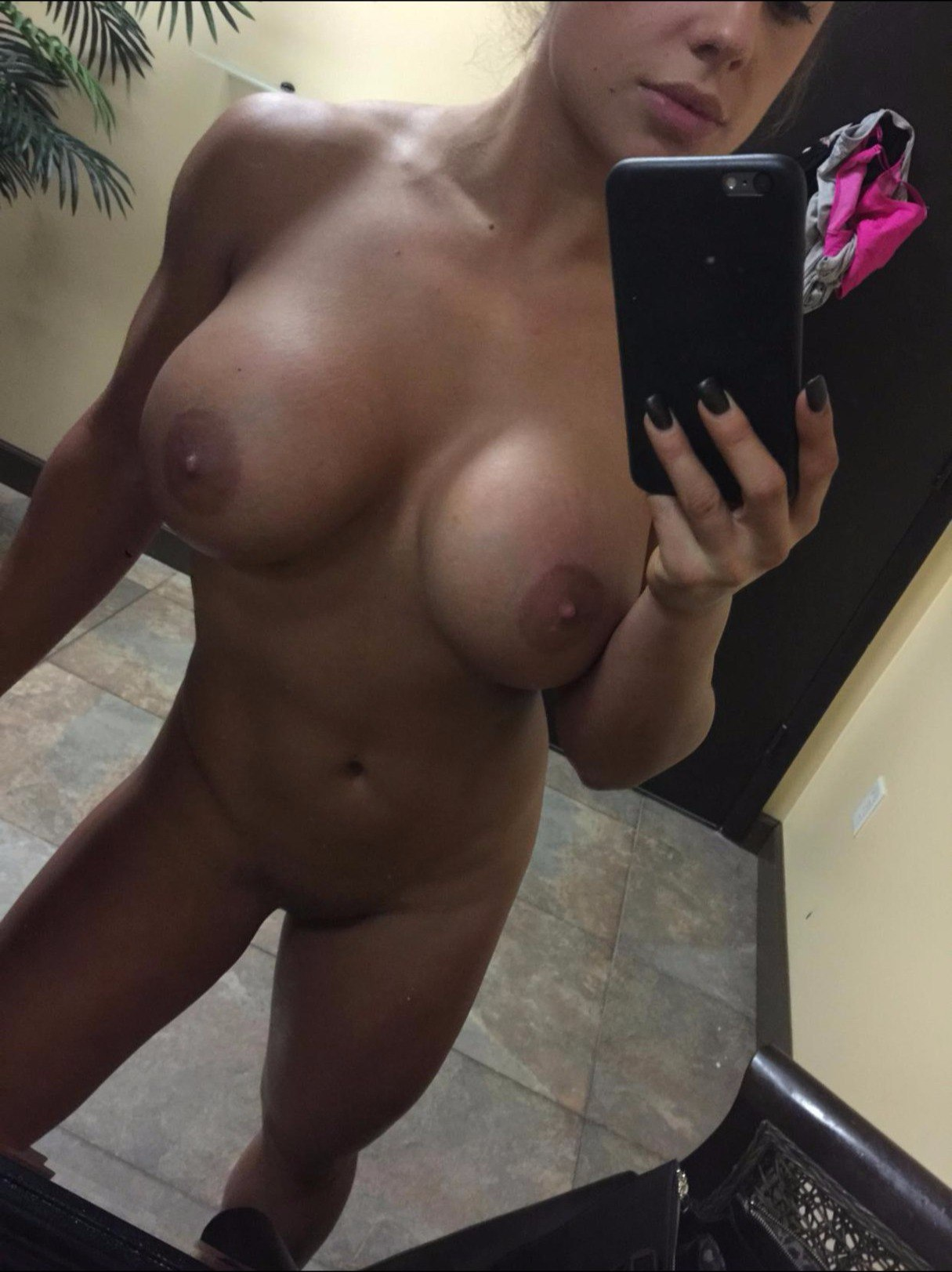 Amateur girls naked locker room