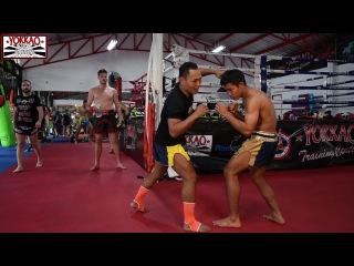 A Muay Thai Lesson with Saenchai - YOKKAO Training Center Bangkok