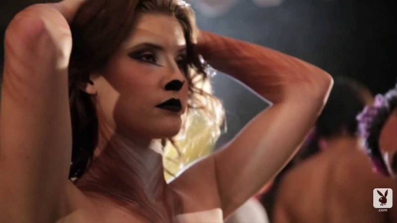 Amanda Cerny get body painted by Playboy