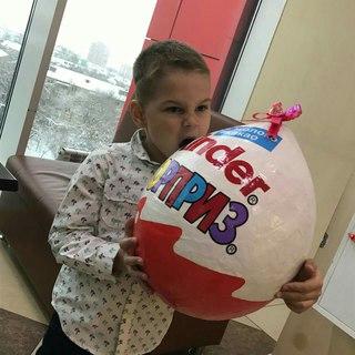 Огромное яйцо сюрприз 44