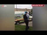 Нападение преступника с ножом на полицейских в Москве сняли на видео