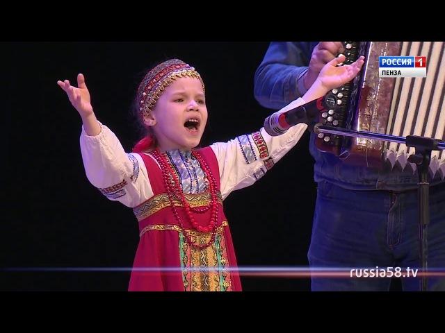 Участница кастинга шоу «Край талантов» София Борзова