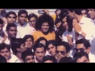 видео Sathya Sai  With Students At Kodai