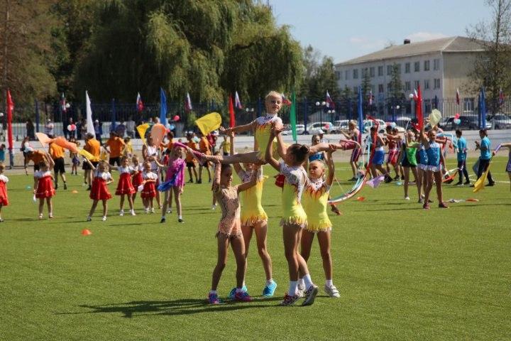 В станице Зеленчукской открыли новый стадион