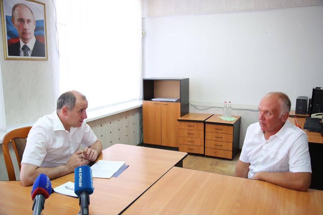 Рашид Темрезов провел прием граждан в Зеленчукском районе