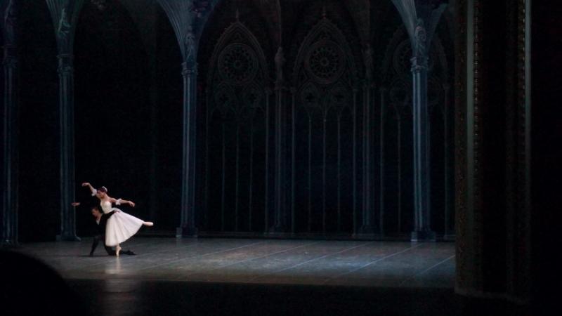 1. Жизель - па-де-де, 2 акт (выход, адажио). Отчётный концерт СХУ - 22.05.2016.