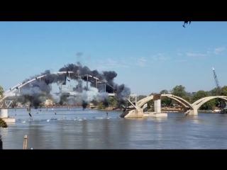 В США подрывники не смогли разрушить столетний мост Broadway Bridge
