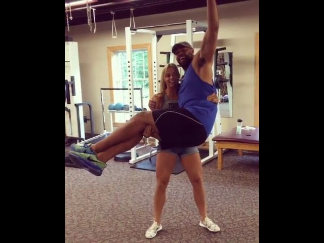 55 kg hot blonde lift carry 130 kg giant and squats