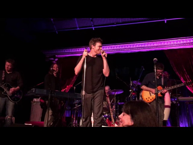 Michael C. Hall singing Heroes by David Bowie at the Cutting Room NYC