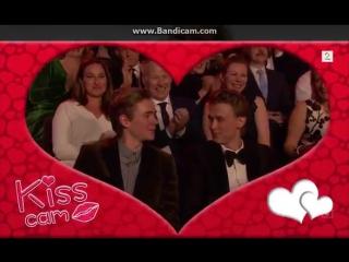 Tarik kiss 2 | skamfamily