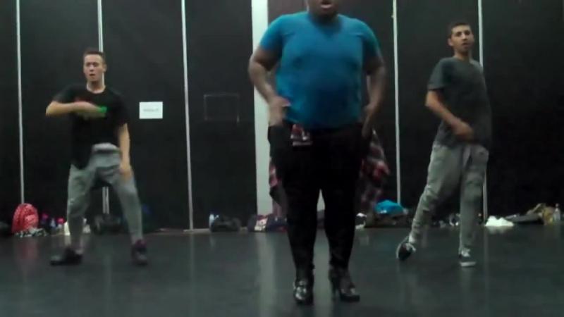 Парни смешно танцуют!_ BigFail