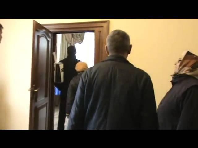31 марта 2016. Ужгород. Геннадій Москаль обклав матами пенсіонерів