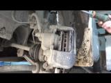 Замена передних тормозных колодок на Mazda Demio (Ford Festiva Mini Wagon)