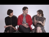Anna Kendrick, Aubrey Plaza and Adam DeVine Show Us The Last Thing on Their Phones