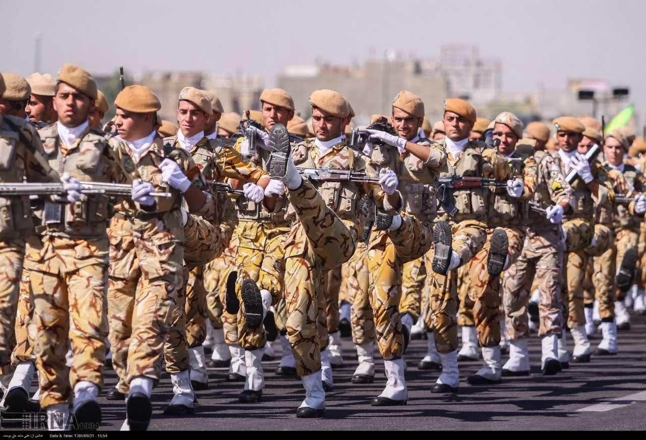 Katonai diszszemlék, felvonulások 1k30LOES9Ec