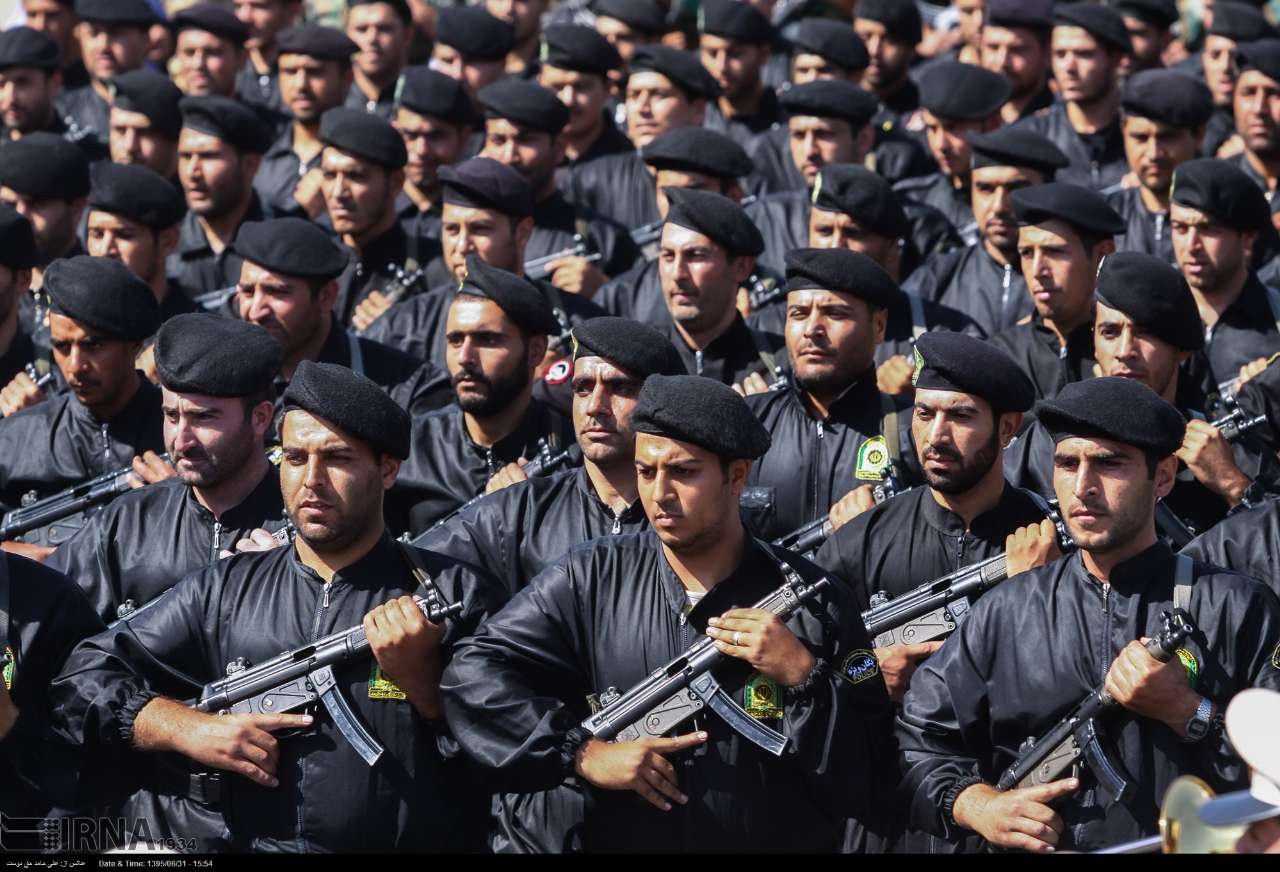 Katonai diszszemlék, felvonulások 45TiHr1uB9Y