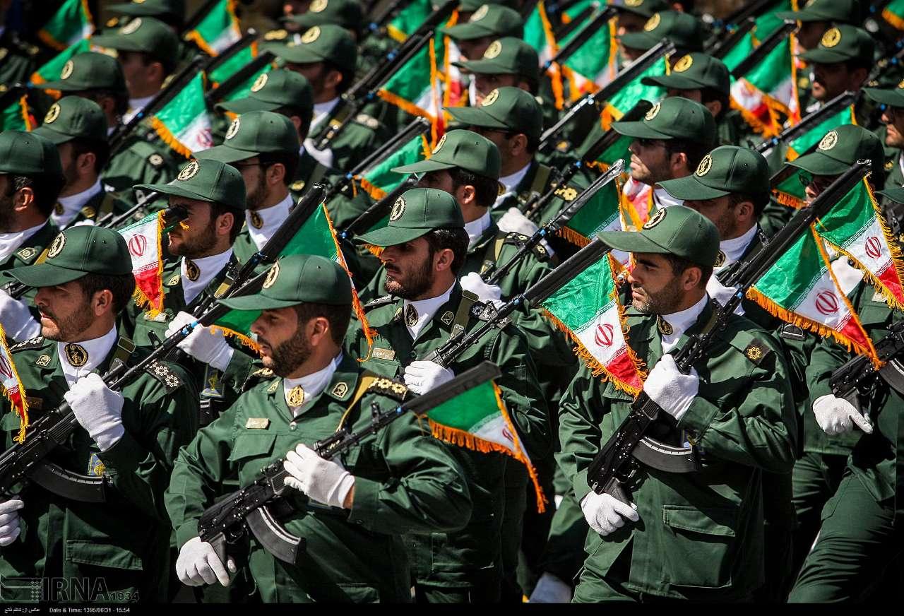 Katonai diszszemlék, felvonulások HbMk1A5FfsQ