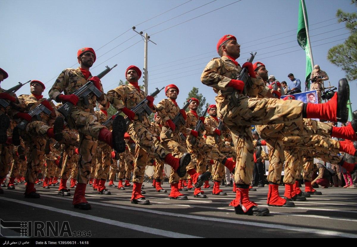 Katonai diszszemlék, felvonulások YyCW4QgsYHs