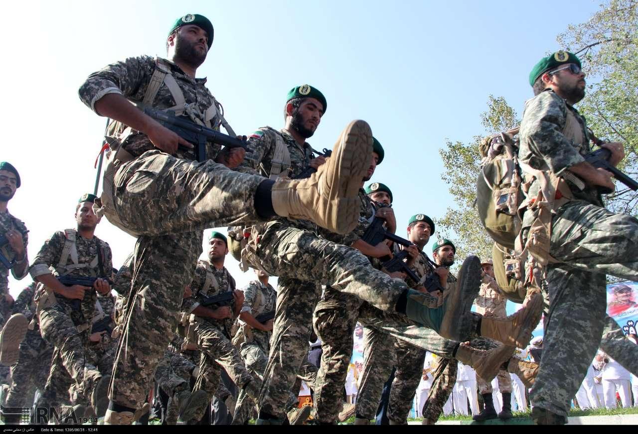 Katonai diszszemlék, felvonulások UKPRXOB9NAc