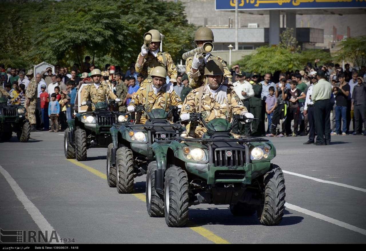 Katonai diszszemlék, felvonulások 0L7rGU9dAIs