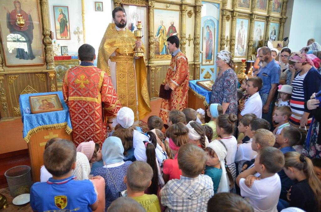 Расписание совершения молебнов для учащихся перед началом 2016-2017 учебного года в Зеленчукском районе