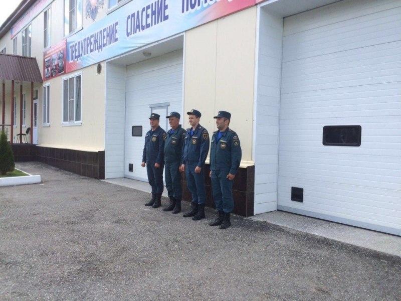 В Зеленчукском районе сотрудниками МЧС проведены занятия по пожарно-строевой подготовке