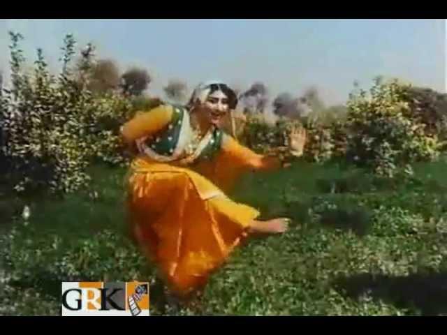 NAHIN SAJDE PEAR HUN JHANJARAN BAGAIR [HD] NOOR JAHAN - FILM - QAIDI [1986]