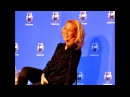 Gillian Anderson 2013 : Why don't we just have sex?