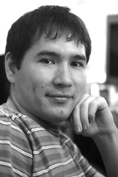 Роман Латынов