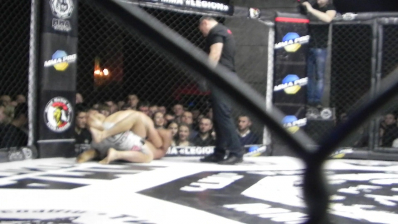 MMA PRO 8 Butov R2