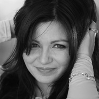 Анджелика Абрарова