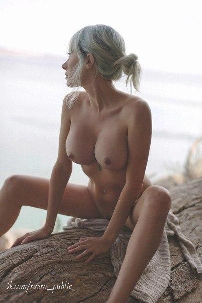 Plak Enjoying Seks zerinde The Ayakkablar
