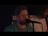 Kaiser Chiefs perform 'Hole In My Soul' Live