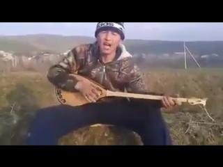 Ауылдағы домбырашы Қазнетте хит болды 2016.360