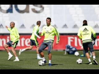 Cristiano Ronaldo returns to the training pitch!