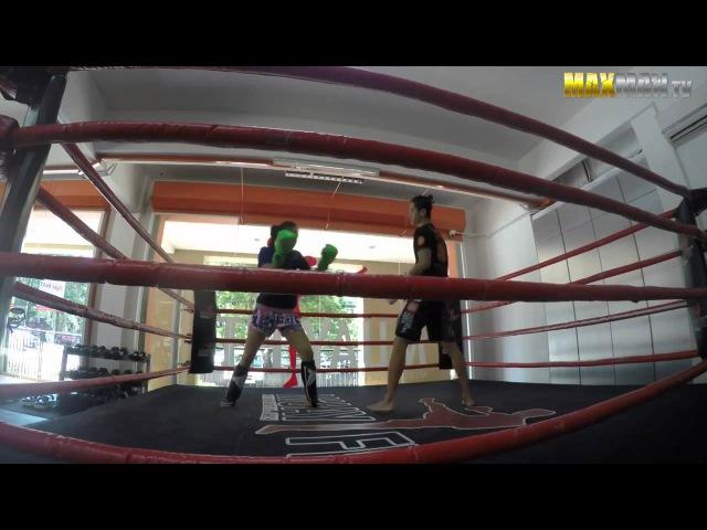 Тайский бокс и неопытная девушка nfqcrbq ,jrc b ytjgsnyfz ltdeirf